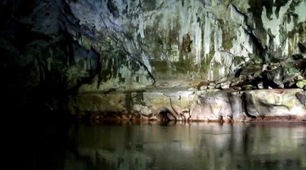 Khong Lor cave
