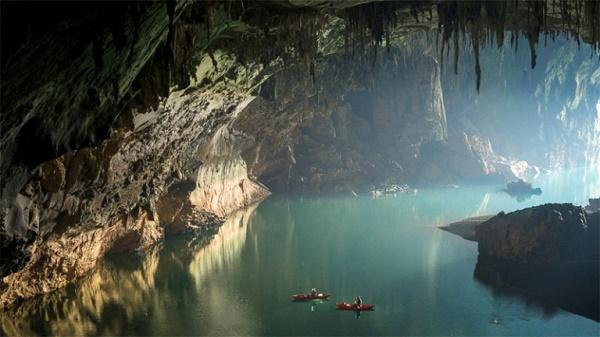 The beauty of Thom Khoun Xe Cave